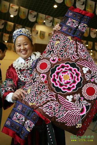凤凰古城苗族刺绣艺术图片