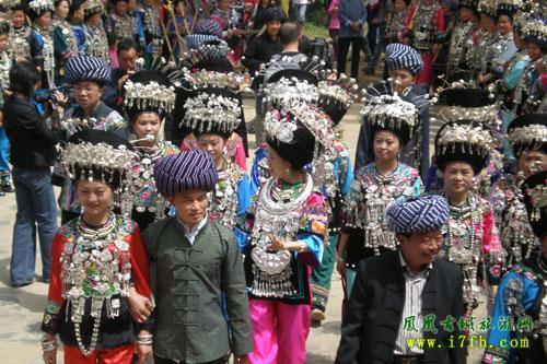 凤凰古城苗族婚嫁风俗图片